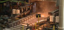Novelis: pour les dix ans de son centre de recherche et développement, l'usine de Sierre ouvre son laboratoire au public