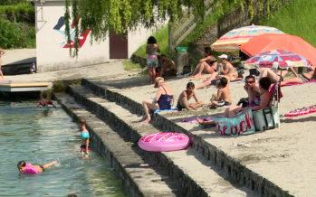 Les eaux des plages du Léman propices à la baignade. Les stations d'épuration assurent l'état sanitaire du lac