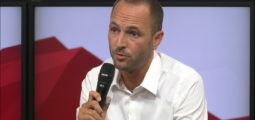 """Mathias Reynard : """"On va prendre des mesures uniquement en cas d'augmentation des hospitalisations."""""""