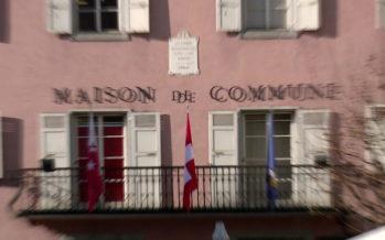 Le canton accroît sa surveillance sur les communes