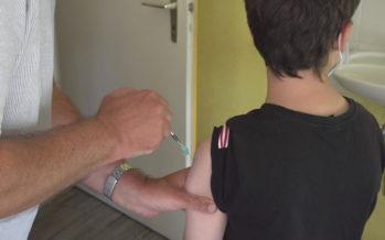 Covid-19: les ados de 12 à 15 ans dans la course vaccinale