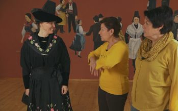 Vituire d'ouna Chaviéjan-na (costume d'une Saviésanne)