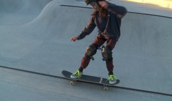 Du haut de ses 11 ans, Tom Loretan rêve d'une carrière pro en skate