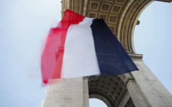 La France vit son premier jour à nouveau confinée