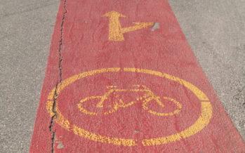 Rouler à vélo à Sion, est-ce trop dangereux? Une pétition demande à la ville des mesures concrètes. Celle-ci travaille à un plan directeur