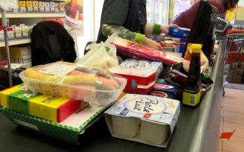 Se délester des emballages avant d'emmener ses achats: la pratique est encouragée par plusieurs commerces