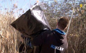 Des dizaines de kilos de détritus récoltés par des jeunes à Punta Fontana