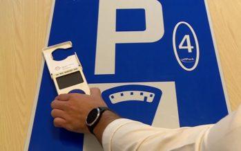 Plus besoin de monnaie pour payer sa place de parc: les smartphones offrent des alternatives