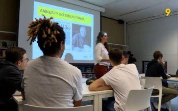 La peine de mort à l'école: des animatrices d'Amnesty International abordent la délicate question avec des élèves de 10e Harmos à Monthey