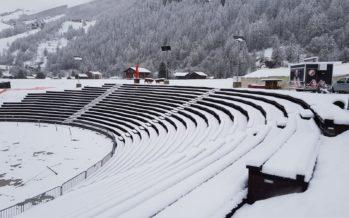Les Haudères: la neige contraint les organisateurs à annuler le combat de reines